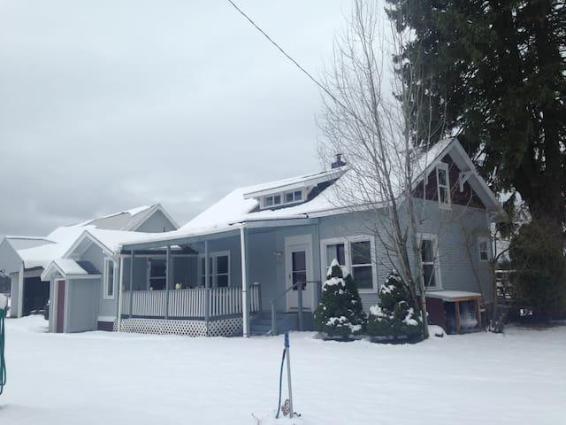 Winter Getaway - Spokane Snow Country