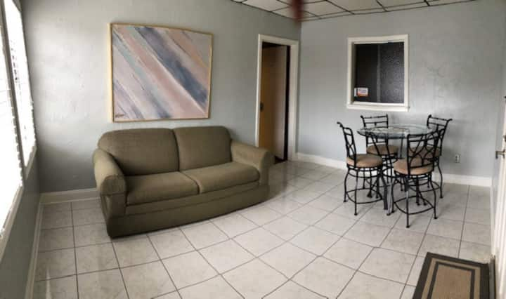 Suite 1-Houma Downtown Guest House