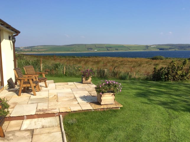 Ettrick Cottage 5 star luxury stunning location - Isle of Bute - House