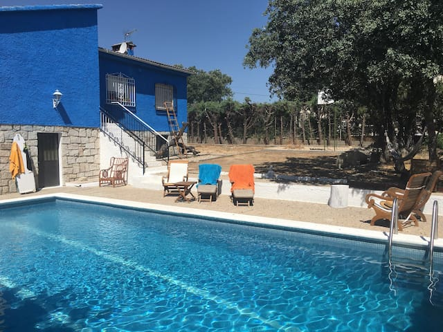 Habitación con piscina a 30m madrid - Colmenar del Arroyo - House