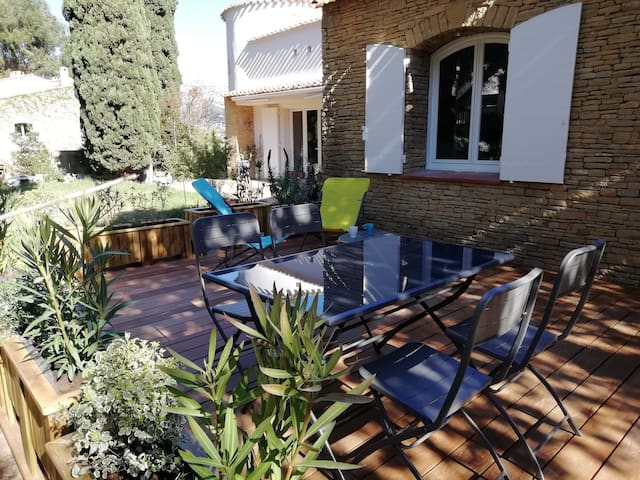 Spacieux, belle terrasse, Appartement T3