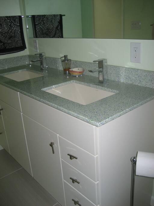 Remodeled main bathroom includes tub/shower