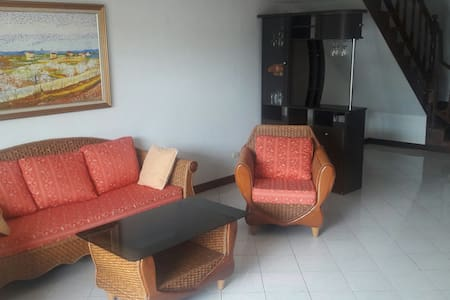 Spacious 3 bedroom House - Patong
