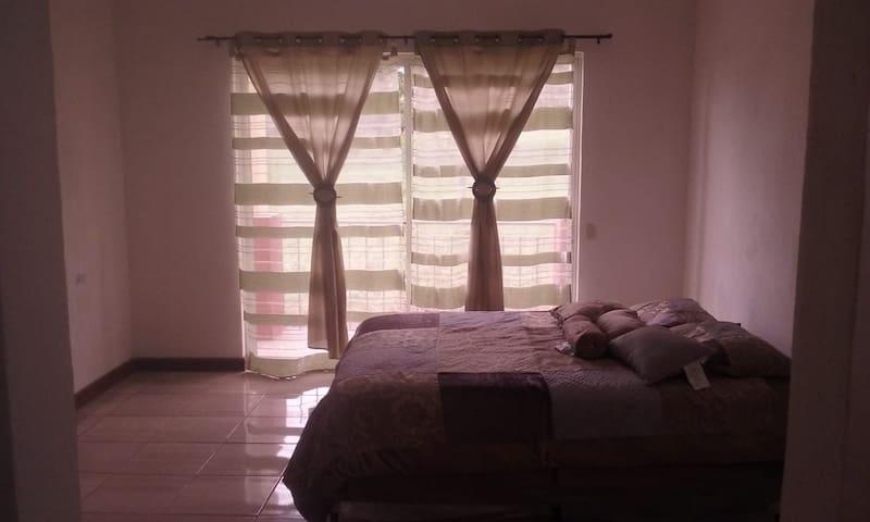 Casa Residenciales  La Perla a 4 minutos del IRTRA