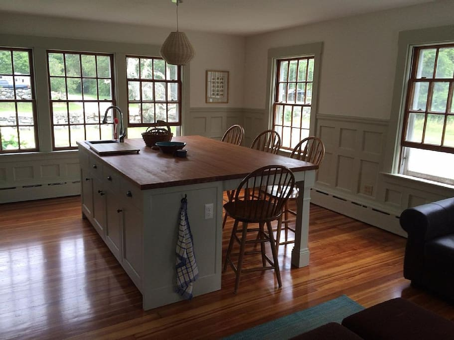 Huge kitchen island with seating for 5