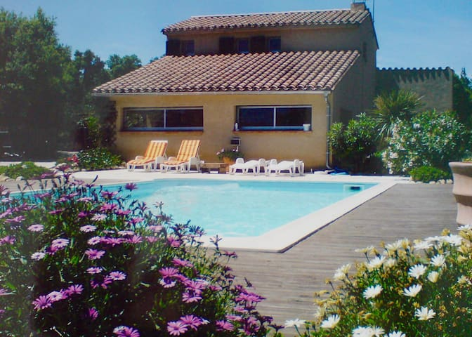 Character House with Pool - Montesquieu-des-Albères - Haus