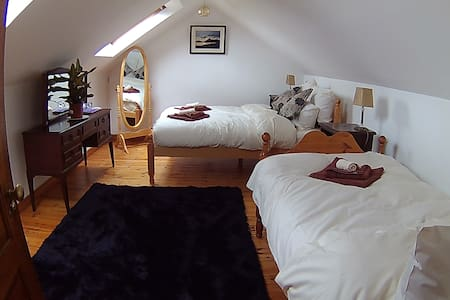 Rise & Shine Double & Single bed, Private Bathroom - Westport