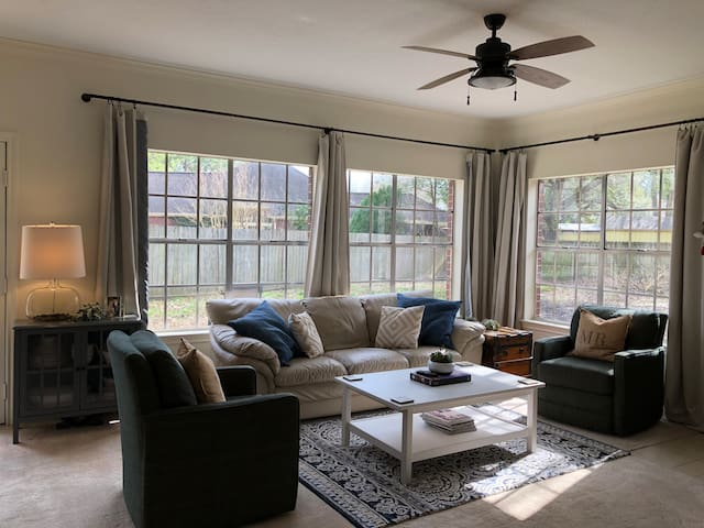 Quiet 3/2 house in Clear Lake area!