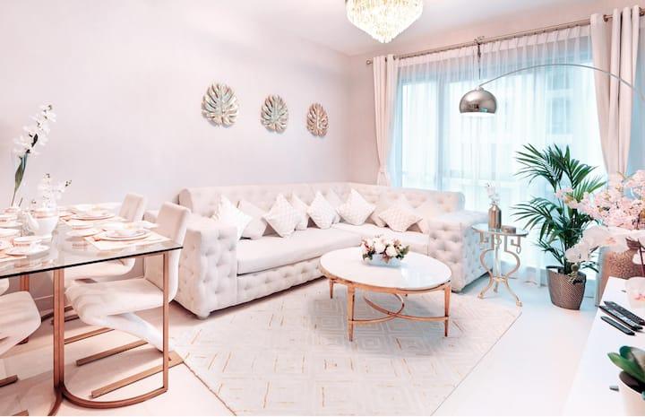Elite Royal Suite   1BR   Luxury experience