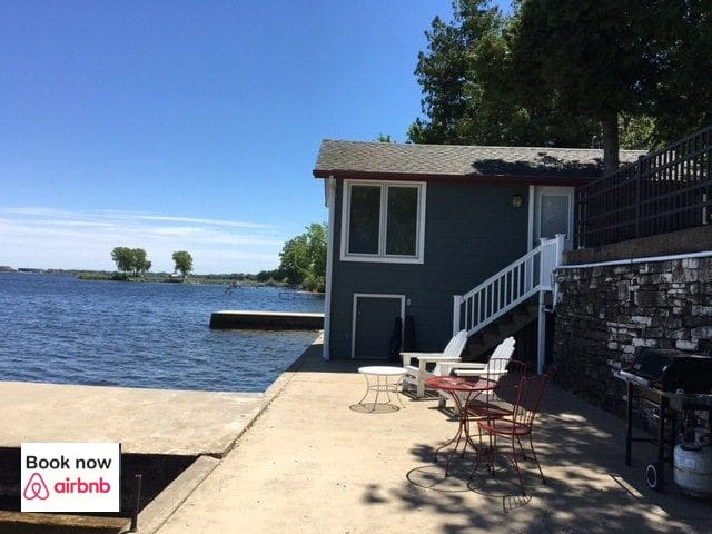 Waterfront Cottage on Sturgeon Bay