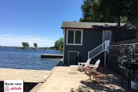 Waterfront Cottage on Sturgeon Bay - Casa