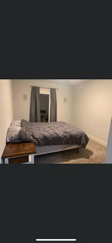 Quiet, Clean House with 2 Rooms to Rent