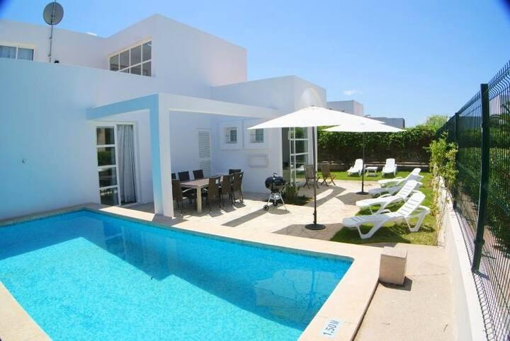 Ein Doppelzimmer+Bad+Dachterrasse+Pool+Garten