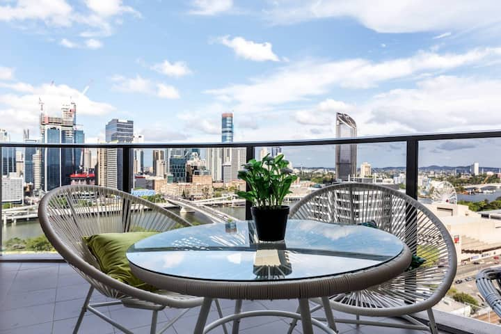 Warming 2BR Apartment < Exceptional River View>