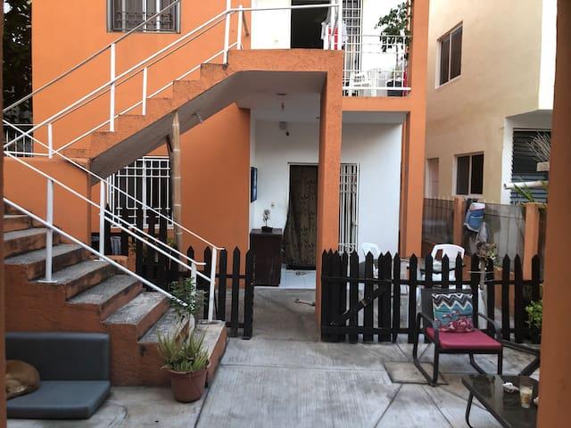 DEPA DEL CARMEN 6 a unos  pasos  ADO 5 AV Y PLAYA!