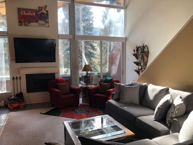 Clean, Comfy West Vail 3 BR Home close to Bus stop