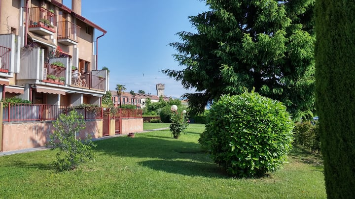 Rosetta apartment in Sirmione in the central area.