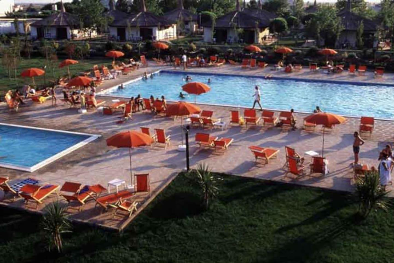 piscine per adulti e bambini