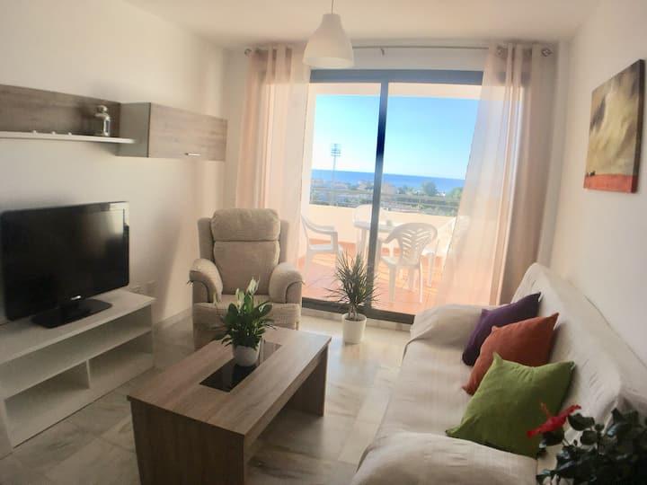 Apartamento La Ladera con vistas al mar y montañas