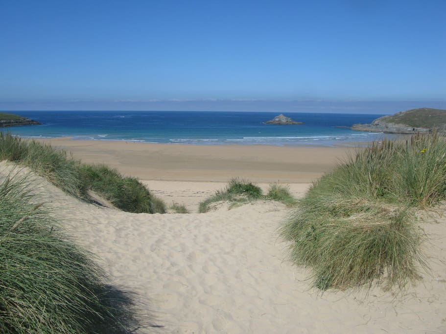 Crantock Beach (walking distance from apartment)