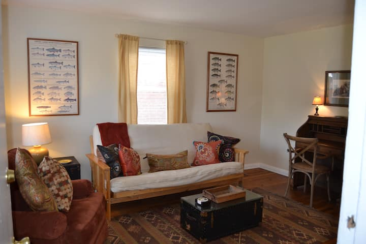 I2-Cozy 1BR in Pleasant Ridge Near/Kennedy Heights