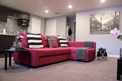 Classy Modern Basement Apartment W/ Self Check-In