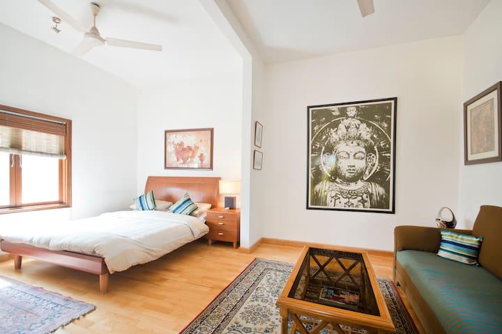 The White Buddha Room