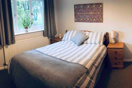 Double-room available in village near Harrogate.