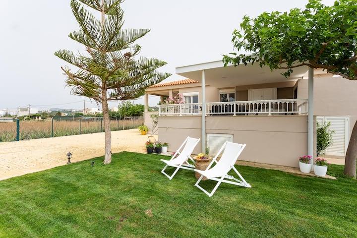Bella Vista, Beach House!