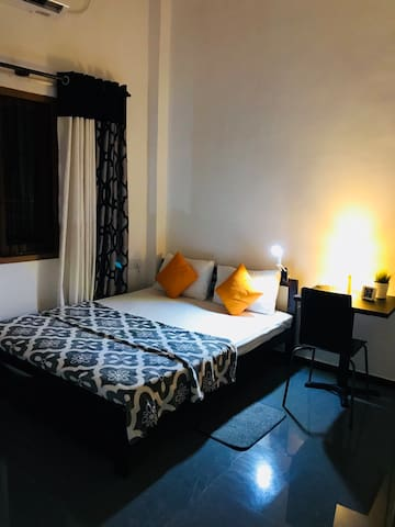 House Of Seya - Double Room / Near Airport