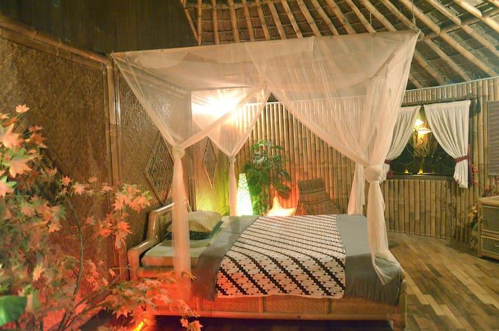 The Magic Bamboo (unique exotic villa with pool)
