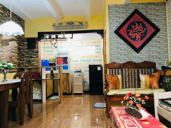 Lovelyhouse /UNLIWIFI/3mins away fr sm center imus