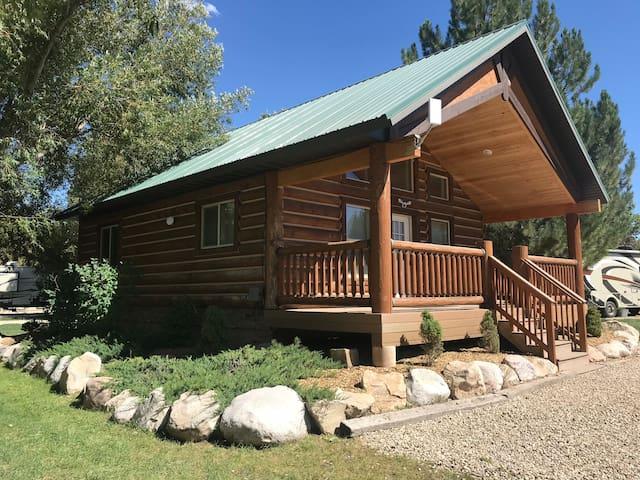 Echo Island Ranch RV Resort Meadow Cabin