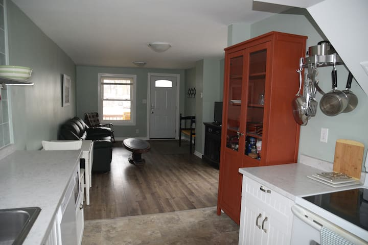 Short Term Belleville Residence With All That!