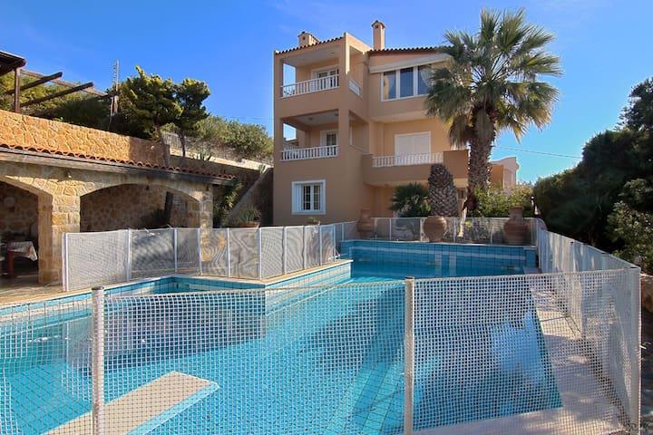Villa Naiads(089189)classical - Anavyssos - Huis