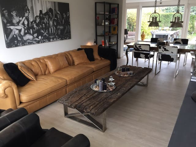 Spacious private guesthouse inc garden near centre - Apeldoorn