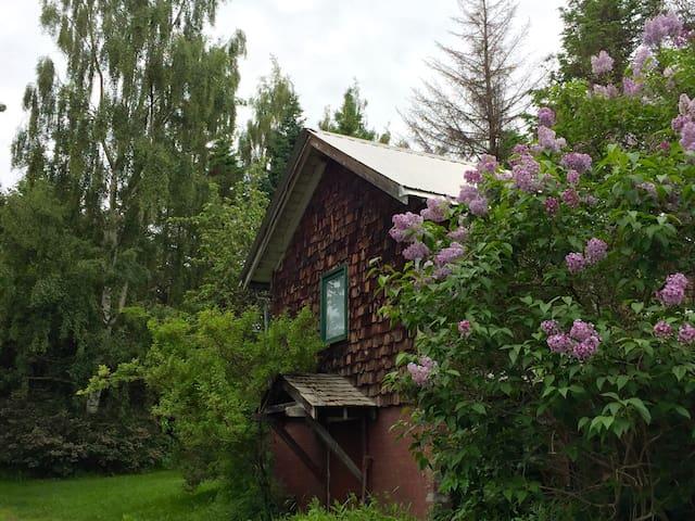 Rose Cottage at Seaside Farm