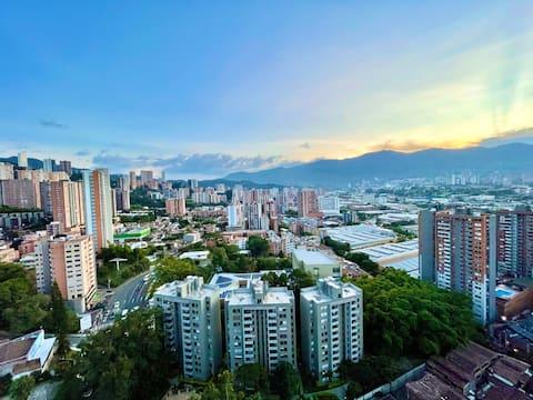 Apto moderno Balcón Medellín, Poblado (5 personas)