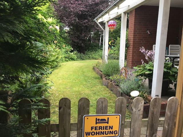 Geräumige Einliegerwohnung mit Terrasse und Garten