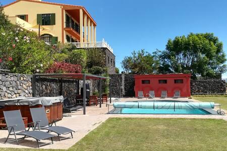 Strelitzia House: villa con piscina, spa, barbacoa