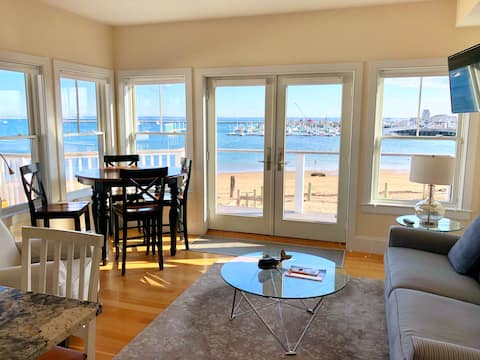 Modern Beachfront Condo, Great Views and Location!