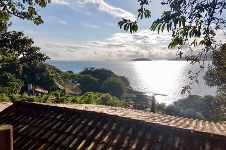 Chalé a 80 metros da praia do Curral em Ilhabela 2