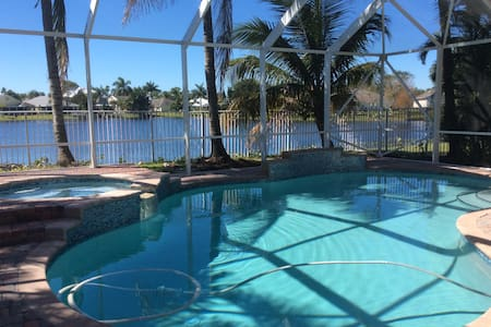 Amazing lake view Villa 5 bed Private pool and spa - Jensen Beach - House