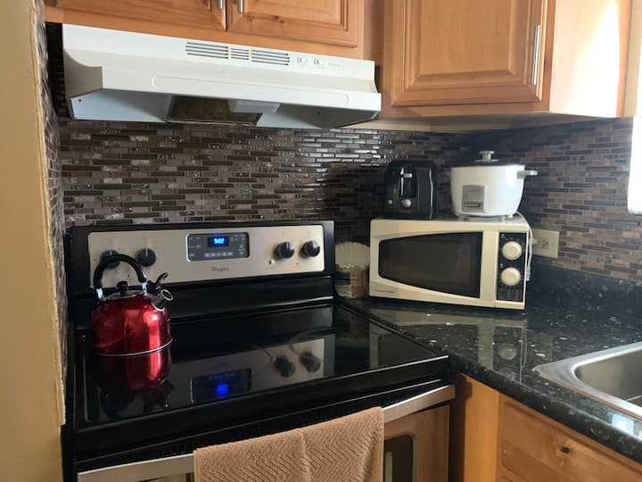 Close to hospital - 2Bed/1 Bath Private Apartment