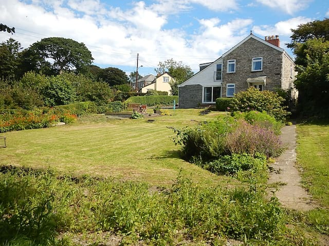 Spacious detached Cornish House - Camelford - House