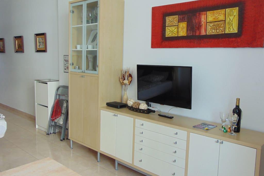 muebles del salón con Tv