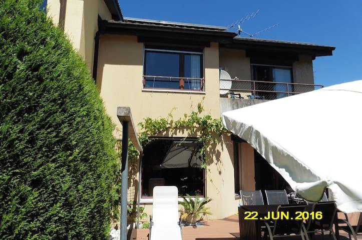 1 à 3 chambres (selon disponibilité) - Marin-Epagnier - Casa
