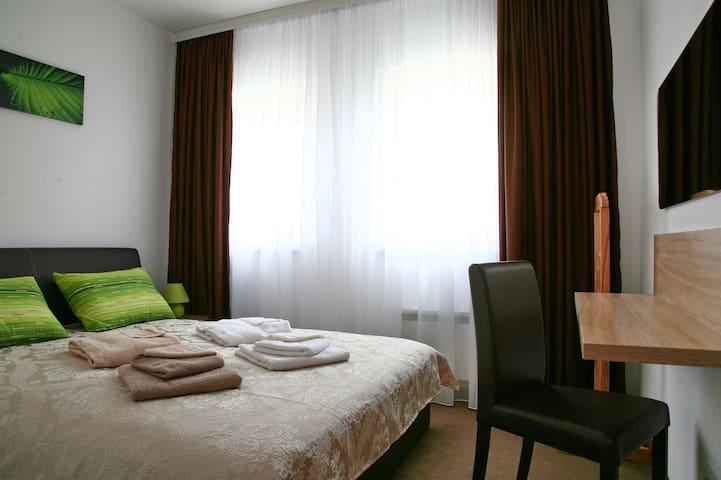 Lala Luxury Suite, Three Bedroom Apt, 65m2