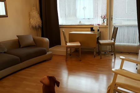Sweet Apartment near Ku'damm Shopping-Mall - Berlin
