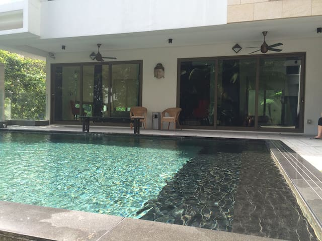 Private Poolside Room with Own Entrance - Kuala Lumpur - Hospedaria